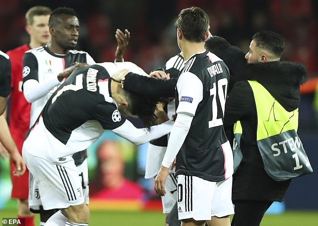 Cristiano Ronaldo angry over pitch invader after Juventus win over Bayer Leverkusen in final Champions League group game